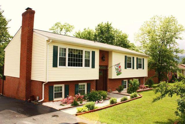 984 Knollwood Dr, Troutville, VA