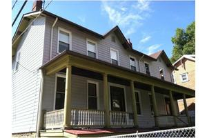 2215 Holyoke St, Perry Hilltop, PA 15214