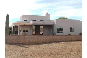 1064 W Camino Del Desierto, Green Valley, AZ 85614