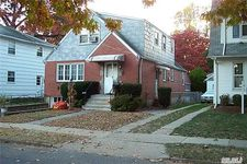42 Larch Ave, Floral Park, NY 11001