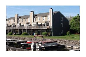 1401 Treasure Island Rd # 1401, Webster, MA 01570