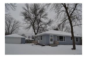 8670 Greystone Ave S, Cottage Grove, MN 55016