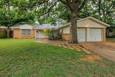 414 Eastcliff Dr, Euless, TX