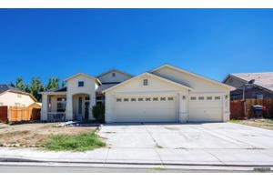 1063 Rimfield Dr, Fernley, NV 89408