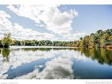 7 Waterside Ln, West Hartford, CT 06107