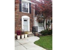 4664 Colonial Ln, Trenton, MI 48183