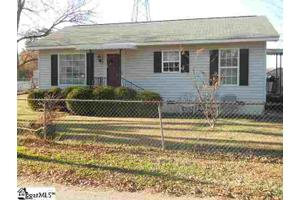 3 Hunt St, Greenville, SC 29611