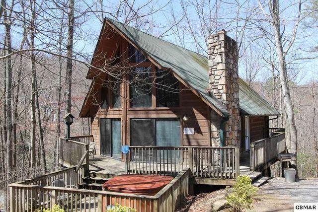 605 Pinecrest Dr, Gatlinburg, TN 37738  Home For Sale and Real Estate Listing  realtor.com®