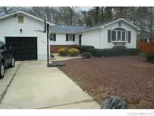 409 Pine Tree Dr, Lacey Township, NJ 08731