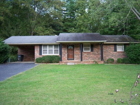 Photo of 915 Melrose Dr, Cookeville, TN 38501