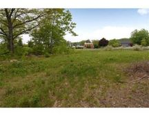 6 Mohawk Dr, Londonderry, NH 03053