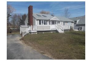 4 Grays Beach Rd, Kingston, MA 02364