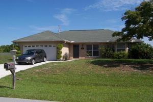 207 SW Elderberry Dr, Port Saint Lucie, FL 34953
