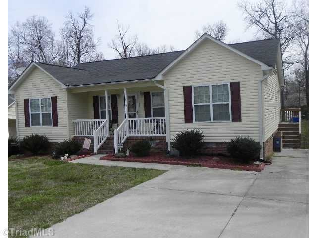 4107 Knollwood Dr, Archdale, NC