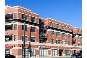 2472 W Foster Ave Apt 407, Chicago, IL 60625