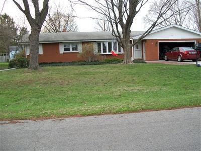 1633 N Teakwood Dr, Stevensville, MI
