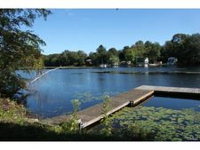 255 White Deer Rock Rd, Middlebury, CT 06762