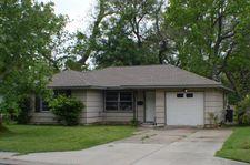 310 Cypress St, Lake Jackson, TX 77566