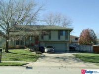 2006 Kings Dr, Papillion, NE 68046