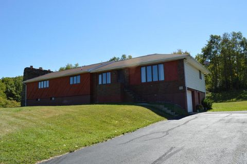 692 Orange Rd Unit 2, Dallas, PA 18612