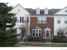 8106 Heron Hills Dr, Walled Lake, MI 48390