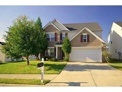 2090 Black Oak Ln Ln, Ellenwood, GA 30294