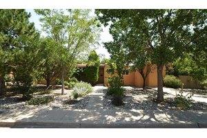 131 Pine St, Santa Fe, NM 87501