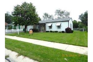 607 Kingston Dr, Romeoville, IL 60446