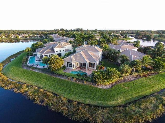 357 Vizcaya Dr Palm Beach Gardens Fl 33418 Home For