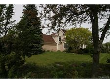 1775 Janet Dr, West Bloomfield Township, MI 48324
