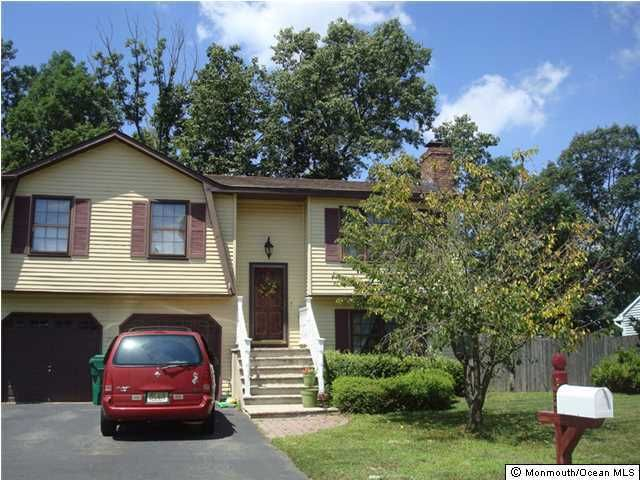 35 Alden Ter, Howell, NJ 07731