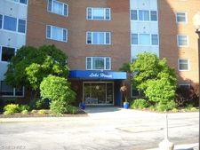 11850 Edgewater Dr Apt 421, Lakewood, OH 44107