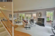 16 Heritage Oaks Rd, Pleasant Hill, CA 94523