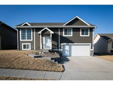 4822 Spring Cir, Council Bluffs, IA 51503