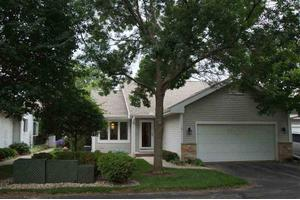 11 Stonefield Ter, Madison, WI 53717