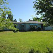 426 W 4th St, Waitsburg, WA 99361