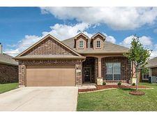 8312 Deer Bluff Ln, Fort Worth, TX 76179