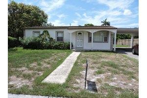 217 W 29th St, Riviera Beach, FL 33404