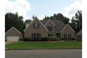 636 Rocky Brook Dr, Cordova, TN 38018