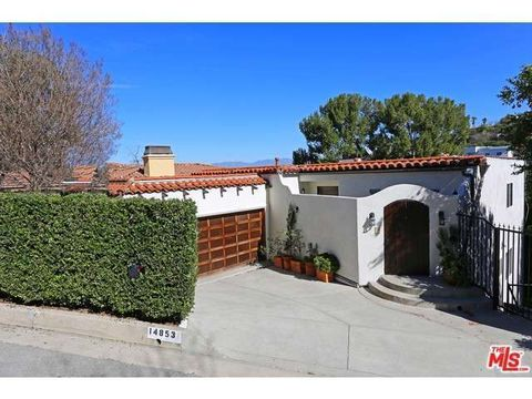 14853 Round Valley Dr, Sherman Oaks, CA 91403