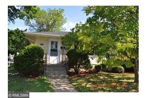 1363 Hoyt Ave E, Saint Paul, MN 55106