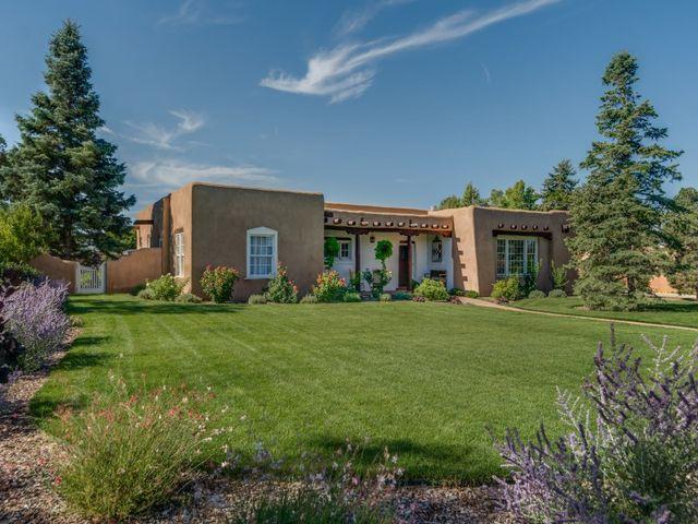 318 E Coronado Rd, Santa Fe, NM 87505