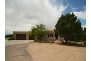 207 Nine Mile Rd, Santa Fe, NM 87508