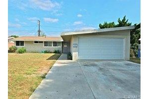 3321 E La Jara St, Long Beach, CA 90805