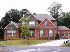 308 Forest Bluff Ln, Sugar Hill, GA 30518