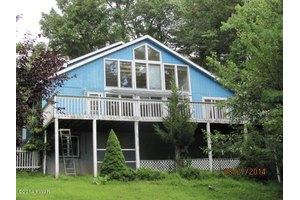 439 Raymondskill Rd, Milford, PA 18337