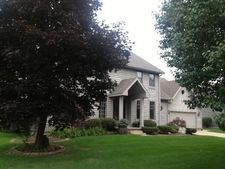 2109 Shadowood Ct, Valparaiso, IN 46383