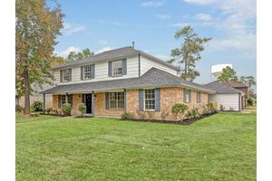 5727 Green Timbers Dr, Humble, TX 77346