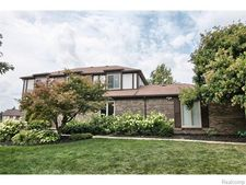 31153 Claymore Rd, Farmington Hills, MI 48331