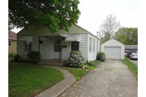 526 W 4th St, Rochester, IN 46975